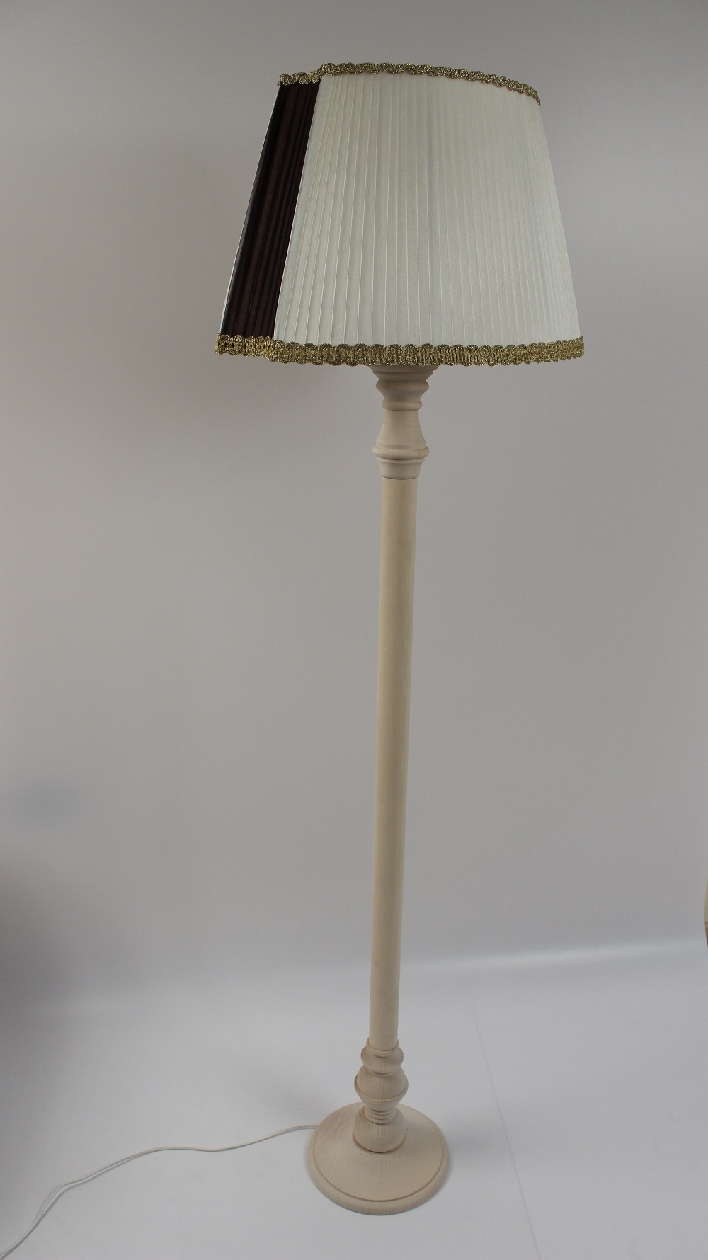 Cappelli per lampade ikea una collezione di idee per for Ikea lampade da terra
